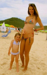 Alessandra Ambrosio's Twitpic of herself with daughter Anja
