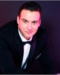 Featured talent Ref:677060